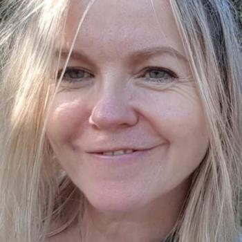 Dr Helen Davies